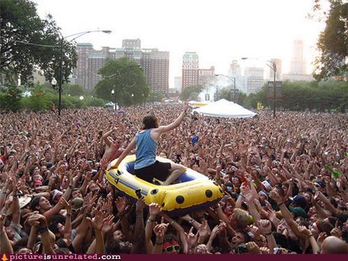 Crowd rafting