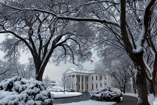 http://bitsandpieces.us/wp-content/uploads/2011/03/imagesSnowy-White-House_thumb.jpg