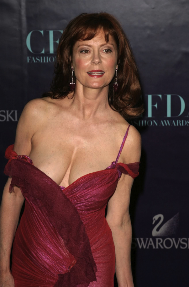 Susan Sarandon's near wardrobe malfunction