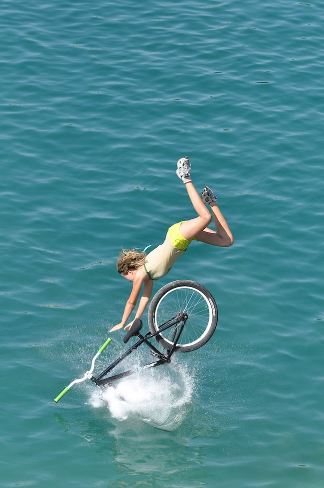 http://bitsandpieces.us/wp-content/uploads/2011/03/imageswater-bike-ride_small.jpg