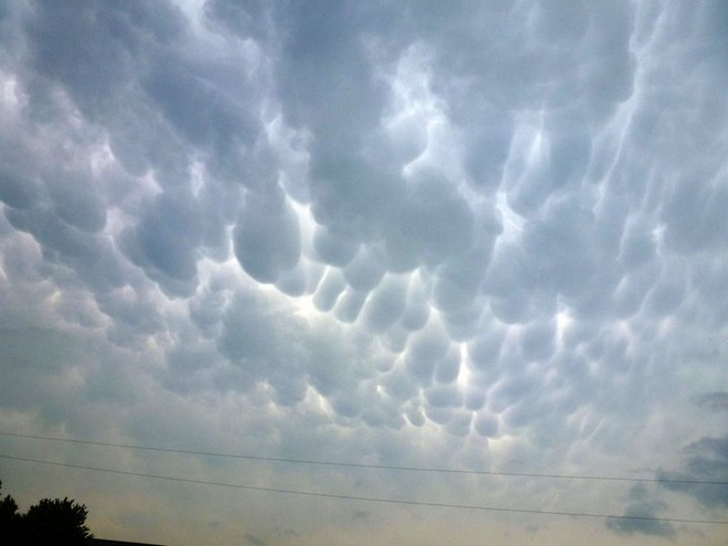 Clouds bob2