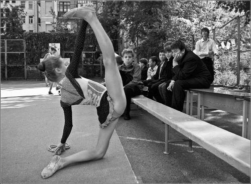фото девушек голышок гимнасток